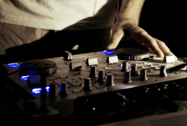 Best DJ Controllers for Scratching