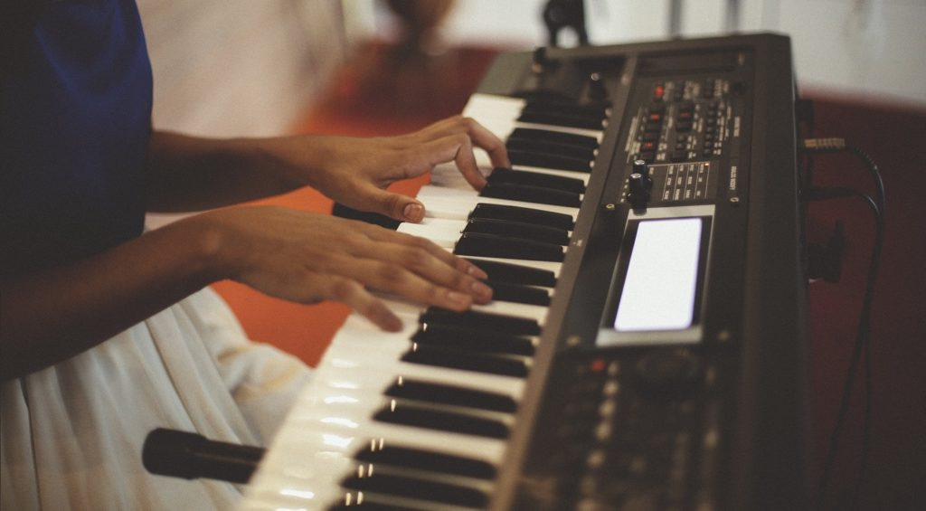 5 best keyboards for beginning piano lessons