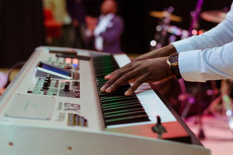 5 best portable keyboards with weighted keys