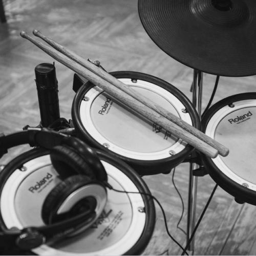 The 5 Best Electronic Drum Sets For The Money