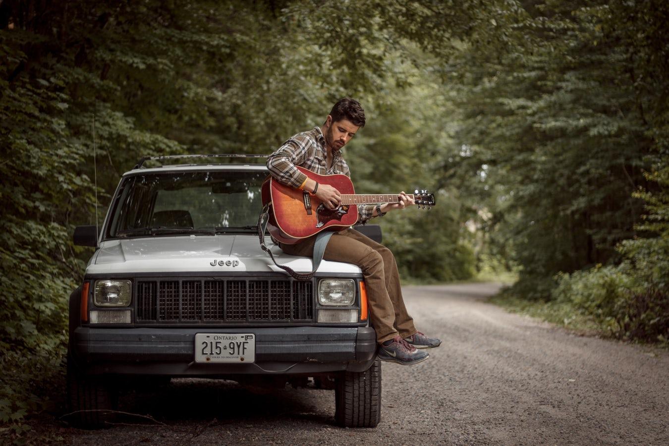 The 5 Best Acoustic Guitars Under $500
