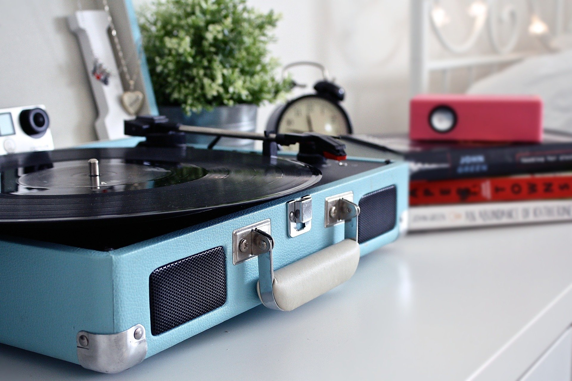 best affordable record player with built in speakers