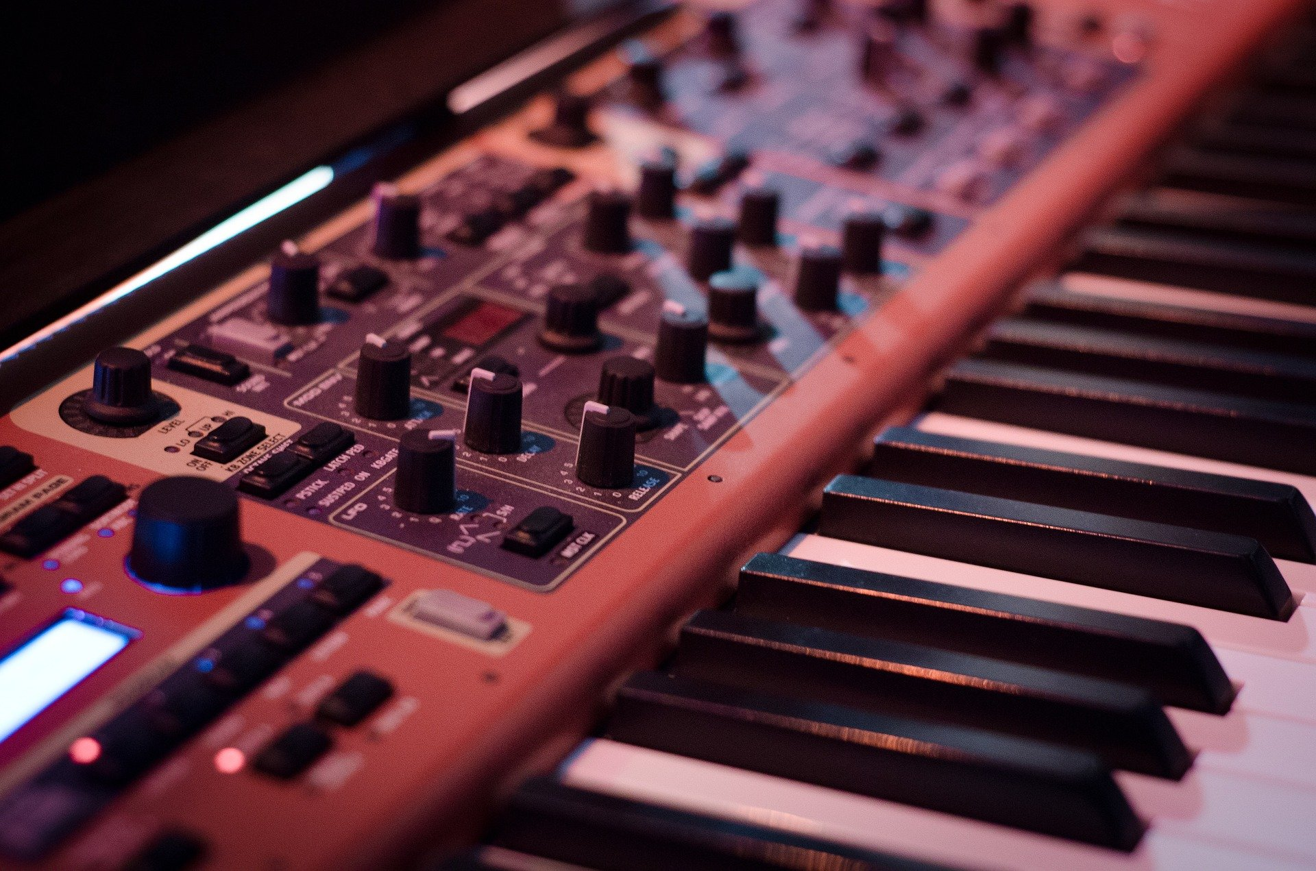 5 Best Polyphonic Synths Under $500