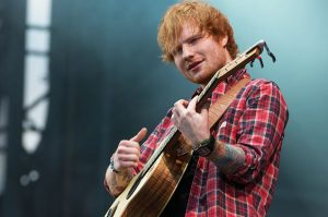 what kind of guitar does ed sheeran play